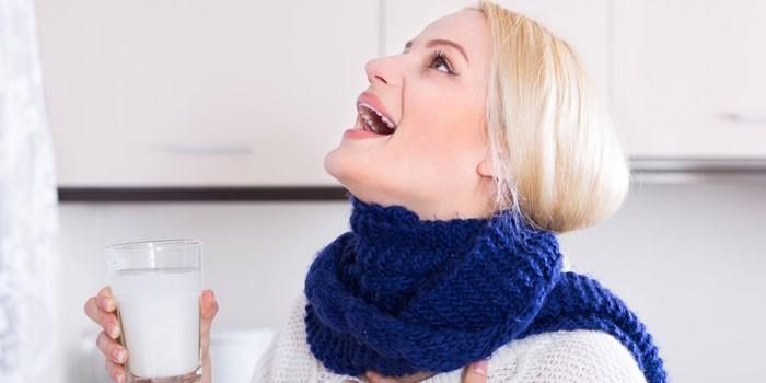 Полоскание горла солью и содой